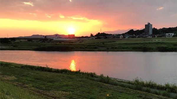 夕暮れの渡良瀬川