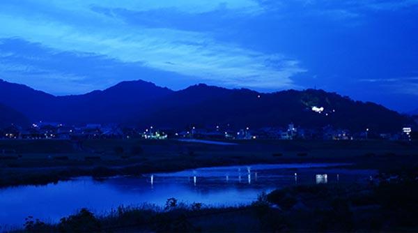 早朝の渡良瀬川
